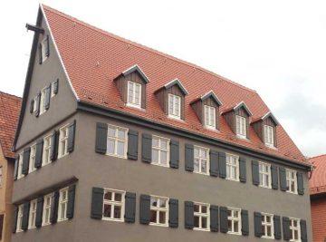Projekte antignum - Fertig saniertes Dach in Dinkelsbühl, Seitenansicht
